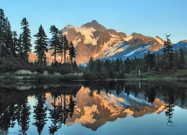 Picture Lake - Mount Baker-Snoqualmie National Forest, Washington