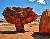 Vermilion Cliffs geological oddities